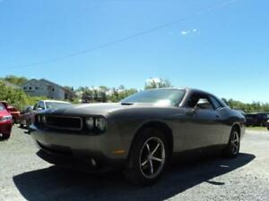 FINANCE IT! 2010  Challenger SXT -LEATHER, MAGNA FLOW EXHAUST!