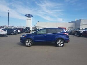 2015 Ford Escape SE, 4WD, SYNC, SIRIUS XM, HEATED SEATS