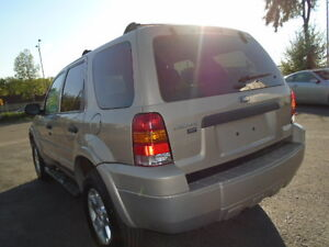 2007 Ford Escape SXT SPORT 4X4--3.0L V6 ---WITH REMOTE STARTER Edmonton Edmonton Area image 9