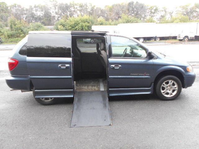Image 2 of 2002 Dodge Caravan Blue…