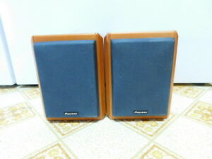 Pioneer S-MT3W Bookshelf Audio Stereo Speakers Surround Sound Wo