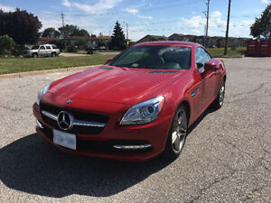 *REDUCED* 2012 Mercedes-Benz SLK250 Convertible