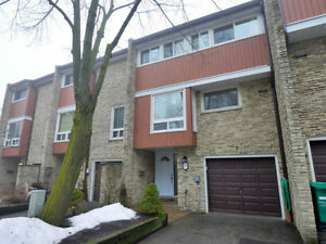 Large Family Townhouse in South Mississauga