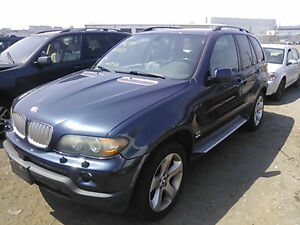 BMW X5  (2001/2006 X5  FOR PARTS PARTS ONLY)