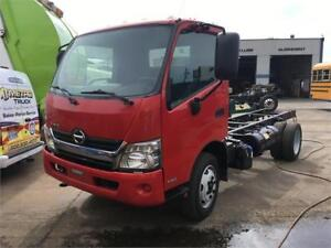 2013 HINO 195 CAB AND CHASSIS