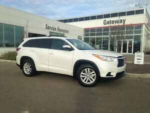2014 Toyota Highlander LE, 8 Seater, Back Up Cam, Tow Hitch,