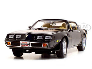 1979 Pontiac Firebird Trans Am Black 1 18 Cast Car By Road Signature 92378