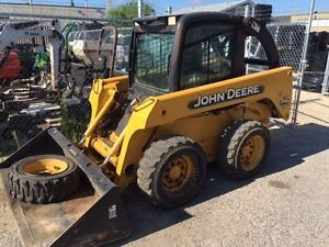 JOHN DEERE 240 SKID STEER LOADER-CAB WITH HEAT AND A/C
