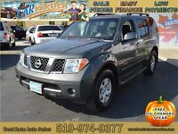 2006 Nissan Pathfinder SE 4WD SUV with Sunroof, Leather