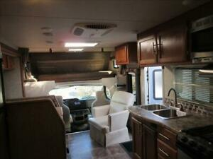 RV Rental 2017 Adventurer 24ft Class C Motorhome: For Rent