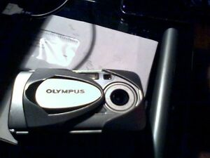 olympus digital camara D-580 Zoom working condition