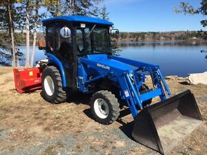 2003 NEW HOLLAND TC33D TRACTOR WITH BLOWER