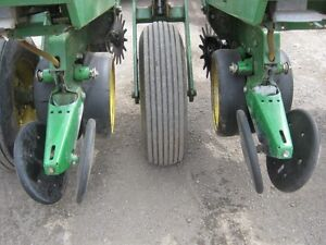John Deere 7000 Planter Cambridge Kitchener Area image 10