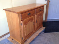 """Beautiful 47"""" Canadel Maple Buffet, MINT, FREE WPG DELIVERY"""