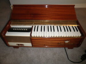 Farfisa Royal Artist Table Top Organ.