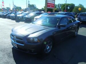 2014 DODGE CHARGER SXT- SUNROOF, HEATED FRONT SEATS, BLUETOOTH,