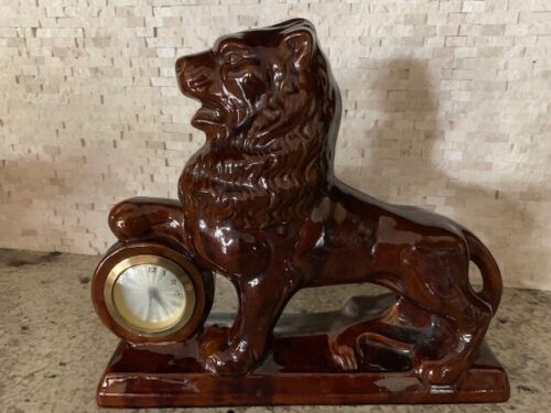 Handsome vintage ceramic lion clock