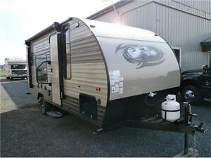2017  WOLF PUP LIMITED 16 FQ TRAVEL TRAILER!ONLY 3000LBS!$16495!