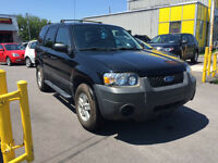 2005 Ford Escape **BAS KILOMÉTRAGE**