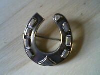 VINTAGE / VICTORIAN BROOCH - 1800's - REAL SILVER HORSESHOE / GOOD LUCK