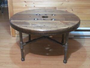 Superbe Table à Café de Style Industriel Antique