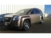 2010 GMC Terrain SLE-2 AWD, heated seats, pioneer sound + more!