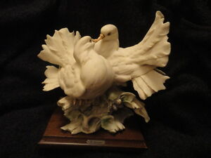 ARMANI KISSING DOVES LOVEBIRDS FIGURINE