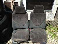 Gray Cloth Power Bucket Seats from 03 Chev Pickup