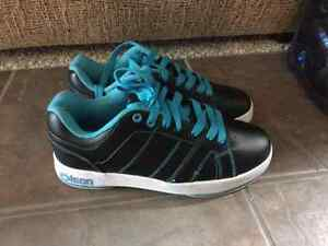 Ladies Olson curling shoes size 8