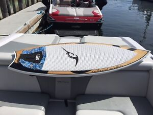 Wake Surf Board IS V2 Swallow