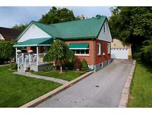 FULLY DETACHED HOUSE – $1950.00 a month +