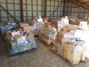 BIG OPPORTUNITY NEW GENUINE GM PARTS...15 PALLETS TOTAL