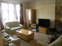 2 Bed Flat in Cambridge Road, Raynes Park, London, SW20!!