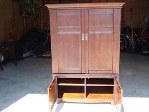 Beautiful solid wood tv cabinet $125