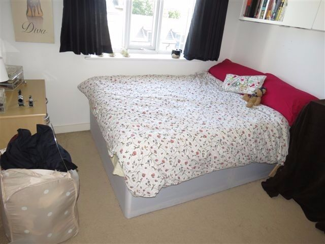 3 Bed Maisonette in Highcross Way, Roehampton, London, SW15!Hot water and Heating Included!!