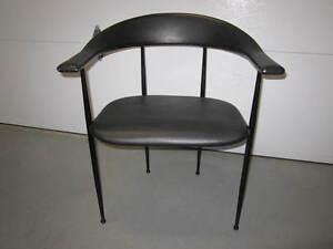 4 chaises de salle à manger