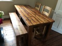 Beautiful, made-to-measure, solid oak dining table, bench and 4 chairs