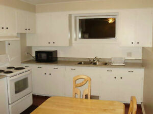 LOCATION!! 2 large Bedrooms apartment in a duplex *All included*