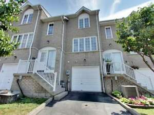 SUN FILLED 3 BED 2 BATH CONDO TOWNHOME IN PICKERING!!