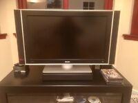32 INCH LCD PHILIPS FLAT SCREEN TV
