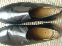 Dr martens shoes size 8