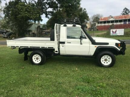 2005 Toyota Landcruiser HZJ79R SINGLE CAB White Manual Cab Chassis Clontarf Redcliffe Area Preview