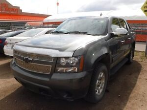 2011 Chevrolet Avalanche LS, PST paid, remote start, b. up cam,