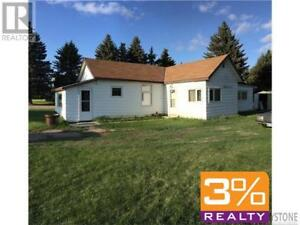 R36//Carberry/Great starter/retirement bungalow ~ by 3% Realty