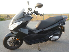 2016 Honda PCX 125 Metallic Black Mint Condition Low Miles
