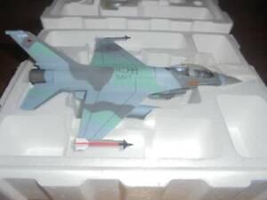 "FRANKLIN MINT ARMOUR COLLECTION 98021 1/48 F-16 FALCON ""TOP GUN"" AGGRE"