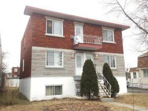 Large 5 1/2 for rent in Old Longueuil