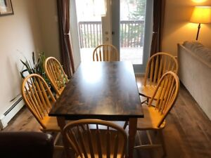 Country Farmhouse Style kitchen / Dining Table & bowback Chairs