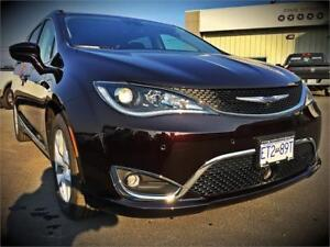 2017 Chrysler Pacifica Touring-L Plus (360 Camera, Blu-Ray)