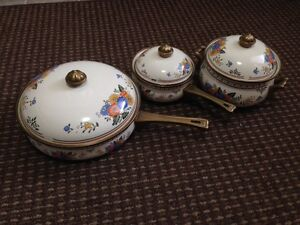 Decorative Pots & Pans all in excellent condition